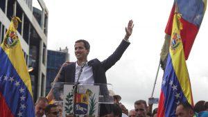 Juan Guaidó bei einer Ansprache vor Anhängern in Caracas. © picture alliance / Xinhua News A