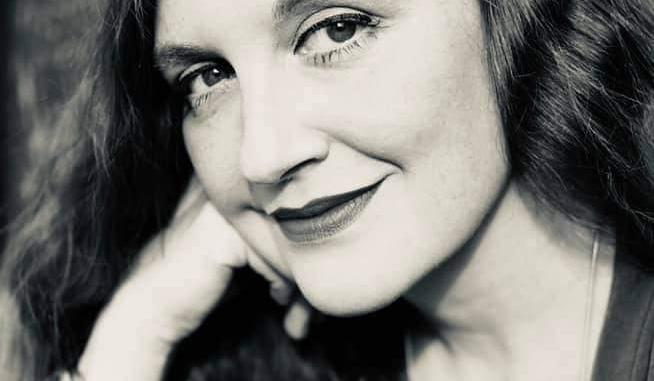 Die Musikerin und Autorin Luci van Org ist auch Schirmfrau des VEID sowie Organisatorin aller sechs Minifestivals während des WGT in den Räumen des Bundesverbandes. © Axel Hildebrand
